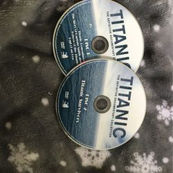 Titanic 1 And 2 DVD for Sale in Kissimmee,  FL