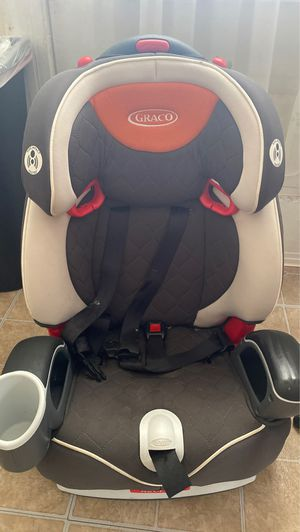 Gracias car seat for 100$ for Sale in Piscataway, NJ
