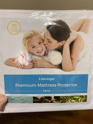 Twin mattress protector for Sale in Citrus Heights, CA