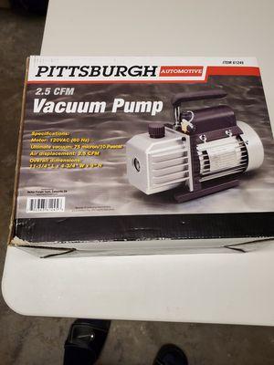 Pittsburgh 2.5 cfm vacuum for Sale in Overland Park, KS