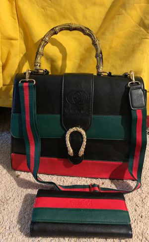 Gucci large handbag with wallet long strap for Sale in Atlanta, GA