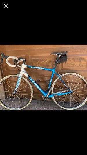 Trek madone 5.9 carbon fiber road bike for Sale in Deerfield Beach, FL