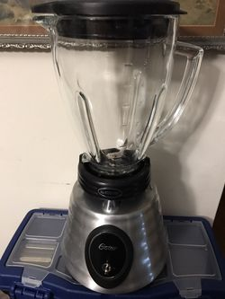 Brand new blender made by oster for Sale in Long Branch,  NJ
