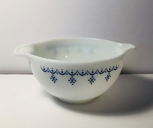 Antique Retro Pyrex Glass Bowl Vintage Winter Blue & White for Sale in Houston, TX