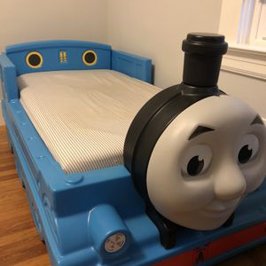 Thomas The Train Toddler Bed for Sale in Daly City, CA