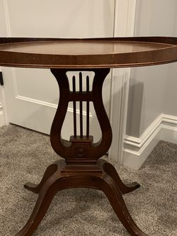 Antique Side Table for Sale in Haddonfield,  NJ