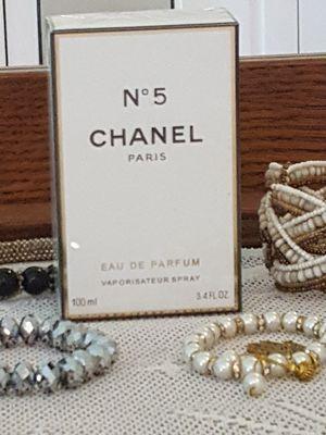 Channel No. 5 Paris parfum spray 3.4 oz. spray bottle for Sale in Tremont, IL