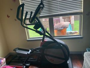NordicTrack Elliptical for Sale in Oak Point, TX