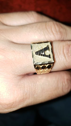 Gold ring for Sale in Fresno, CA