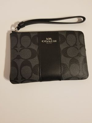 NEW WITH TAGS COACH WRISTLET! BLACK COLOR WITH SILVER HARDWARE! for Sale in Garland, TX