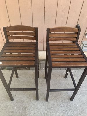 2 chairs for Sale in Patterson, CA
