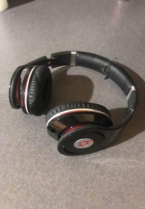 Beats by Dre headphones black with carrying case for Sale in Denver, CO