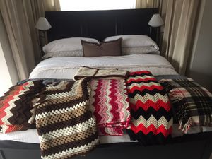 5 afghans and one flannel blanket for Sale in Washington, DC