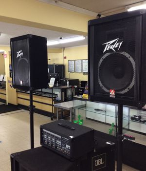 Peavy PA system,speakers,stands,wires for Sale in Clayton, NC