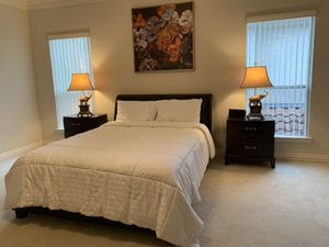 Queen Bedroom Furniture, like new condition for Sale in Houston, TX
