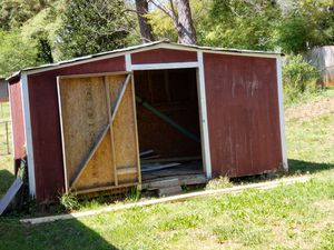 Exterior shed, free for Sale in Decatur, GA