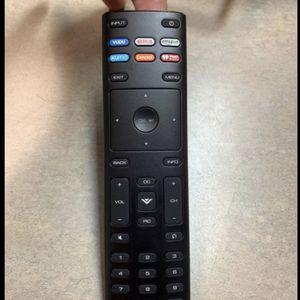 Vizio Smart TV Remote XRT 136 for Sale in Fresno, CA