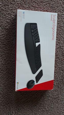 Microsoft Sculpt Keyboard Mouse 10 Key for Sale in Seattle,  WA