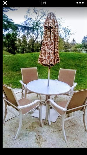 Metal patio table and chairs by telescope for Sale in Davis, CA