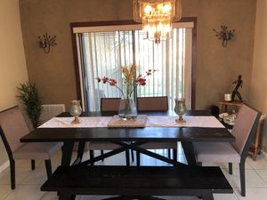 Dining room dark brown wood with bench for Sale in Fort Lauderdale, FL