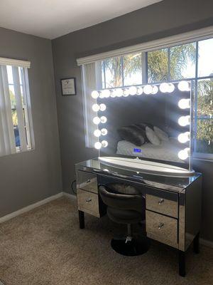 Vanity desk for Sale in Riverside, CA