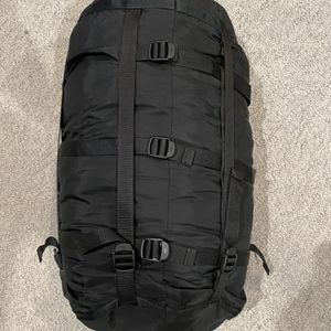 US Military 4 Piece Modular Sleeping Bag Sleep System 8465-01-445-6274 for Sale in Foothill Farms, CA