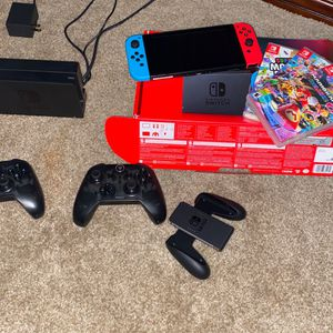 Nintendo Switch 3 Weeks Old Comes With 4 Games And Two Wireless Controllers for Sale in Mobile, AL