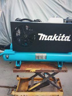 Makita Compressor for Sale in Los Angeles,  CA
