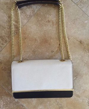 Authentic back/white HENRI BENDEL CLUTCH for Sale in San Diego, CA