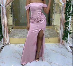 Fashionnova pink prom dress size: M for Sale in Riverside, CA