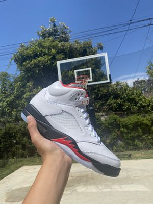 Jordan 5 Fire Red Size 9 for Sale in Los Angeles, CA