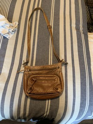 merona cross body purse for Sale in Bonney Lake, WA