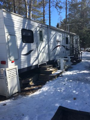 REDUCED . 37'. Pilgrim camping trailer for Sale in Ashwaubenon, WI