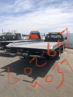 2009 Chevy Silverado towing call or text at anytime for Sale in Phoenix, AZ