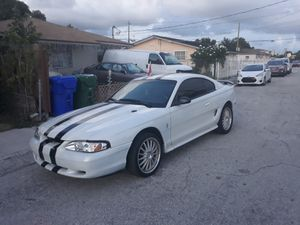 2000 ford mustang MANUAL TRANSMISSION for Sale in Miami, FL