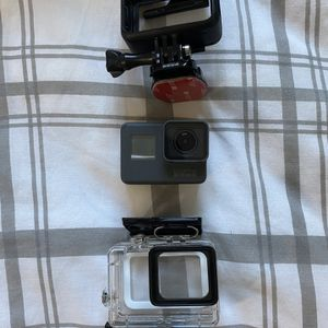 GoPro HERO5 Black for Sale in Seattle, WA