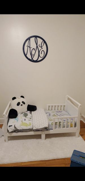 White toddler bed for Sale in Wilmington, NC