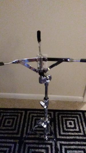 Chrome Drum stand in Excellent condition ONLY $20 for Sale in Philadelphia, PA