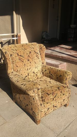 2 beautiful chairs for Sale in Fresno, CA
