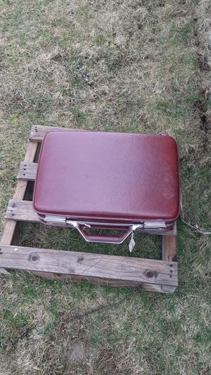 Vintage American Tourister Briefcase for Sale in Brownsville, PA