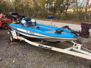 Ranger bass boat for Sale in Collinsville, OK
