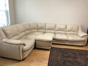 Cream colored 3 piece sectional couch for Sale in Columbus, OH