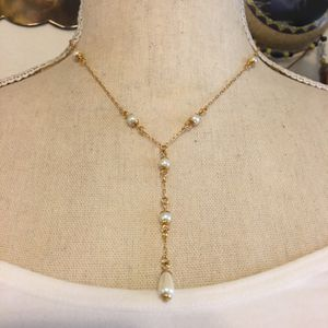 Vintage 90s Avon pearl Y gold tone necklace for Sale in Henderson, NV