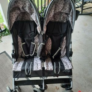 Jeep Double Stroller for Sale in Pittsburgh, PA