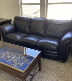 Black Leather Couch, two Chairs, Ottoman for Sale in Madera,  CA
