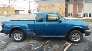 2001 Ford Ranger 4×4 ONLY 120K!!! for Sale in Cleveland, OH