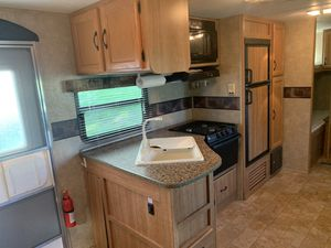 2010 Keystone Sprinter Select BH 26' Travel Trailer for Sale in Ridgefield, WA