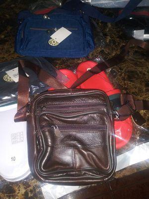 Messenger bag for man color brown for Sale in Miami, FL