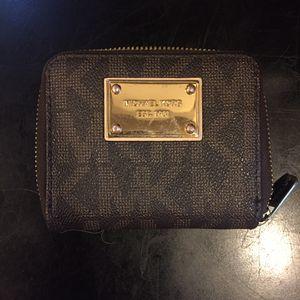 Michael Kors (MK) Wallet ! for Sale in Lanham, MD
