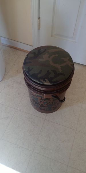 Cammo bucket cooler for Sale in Middleway, WV